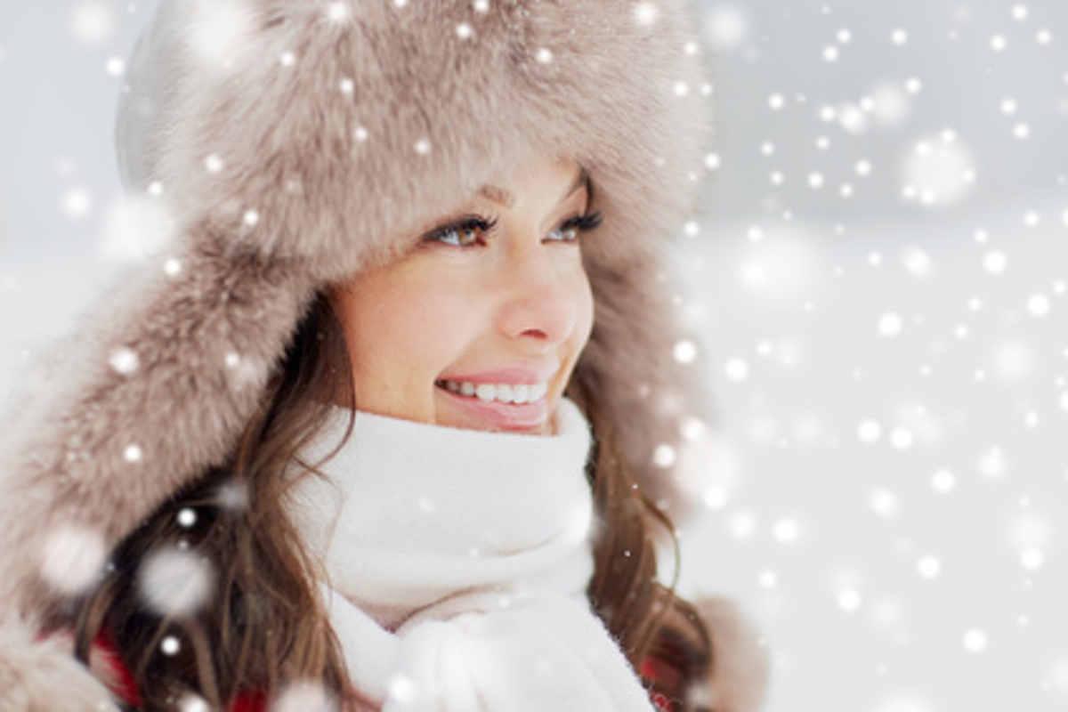 Lèvres gercées, joues irritées. vous êtes entrée dans la période hivernale. Avec l'hiver, la peau est mise à rude épreuve. L'institut MYSKIN, votre espace beauté à Genève, vous donne quelques astuces pour préserver votre capital jeunesse et protéger votre peau des assauts de la froidure.